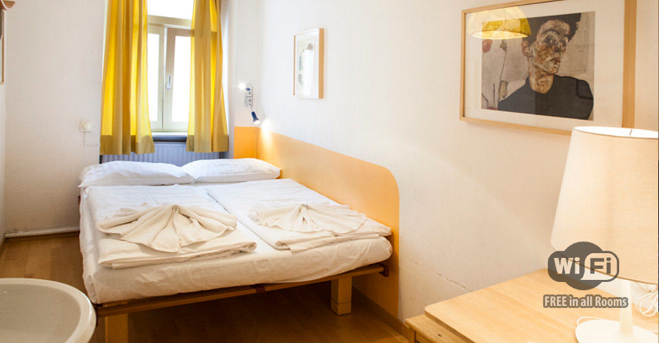 Clean and comfortable Rooms and Dormbeds, Beds in Dorms, cheapest of all Hostels in Vienna